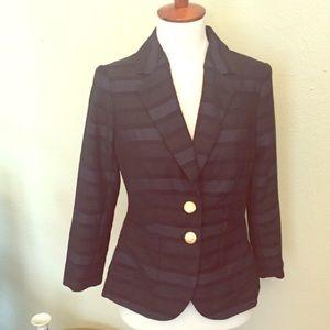 Like New 3/4 Sleeve Striped Blazer